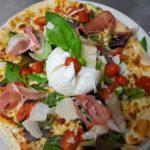 Pizza mozzarella di bufala, excellente au coeur fondant. Dégustez cette pizza à Bruay la buissière.